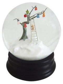 Este año he visto poca o nada de nieve por eso en parte me he enamorado de  las maravillosas bolas de nieve ... c017e88835446