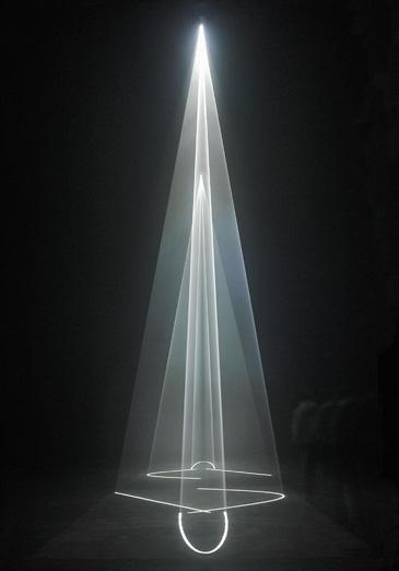 flores en el ático » Geometrías de luz y humo